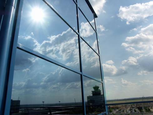 Chống nóng cho cửa kính trong những ngày thời tiết Hà Nội 50 độ C