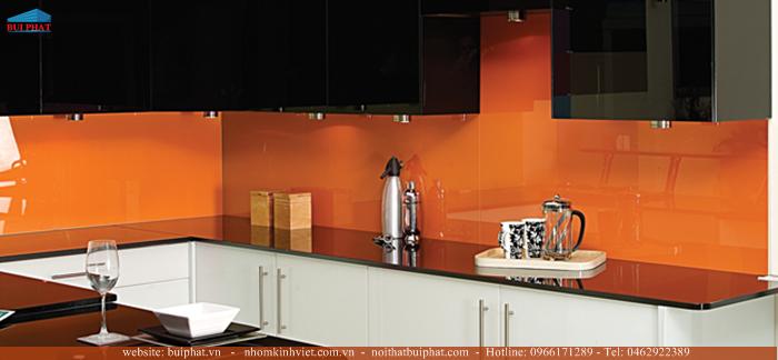Địa chỉ cung cấp và lắp đặt kính màu ốp bếp tại Thanh Xuân