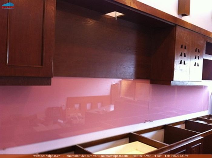 Địa chỉ tư vấn và lắp đặt kính màu ốp bếp tại Tây Hồ