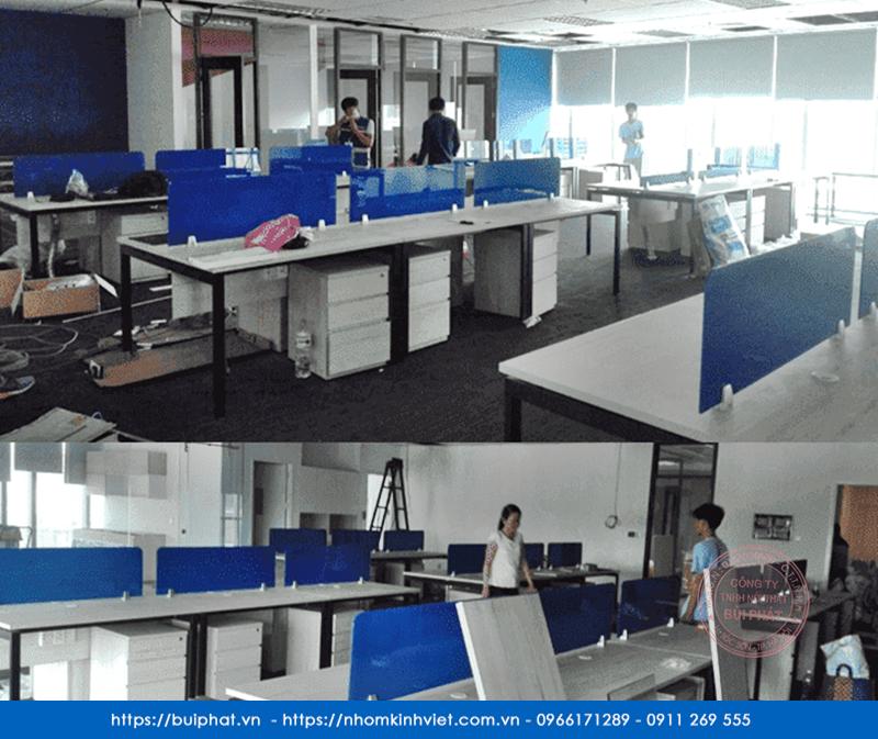 Giá vách ngăn bàn làm việc bằng kính tại văn phòng Hà Nội, Tp HCM