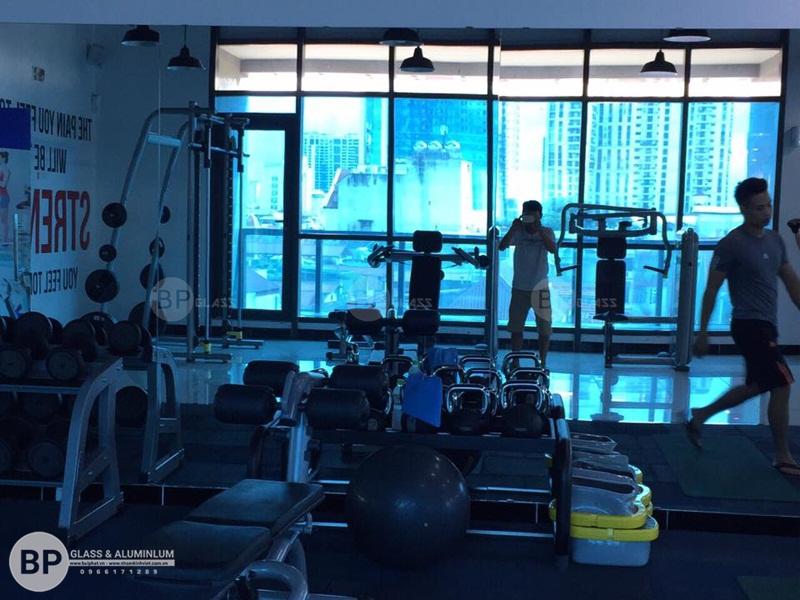 Gương phòng gym Rainbow văn quán