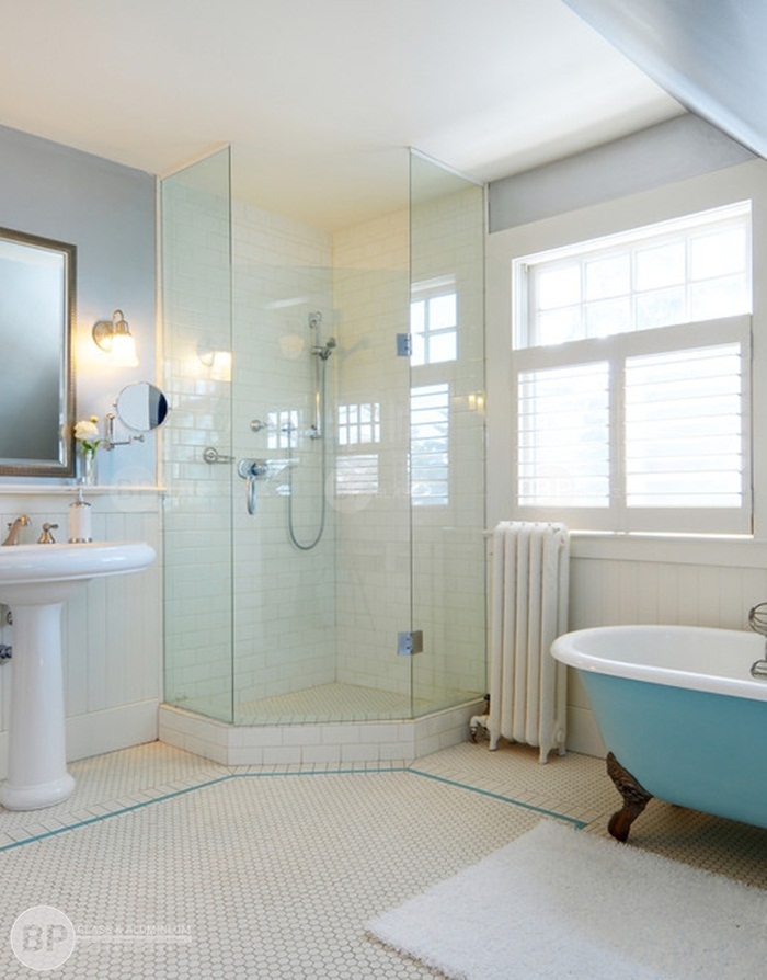 Kích thước cabin tắm đứng kính cường lực bao nhiêu là phù hợp?