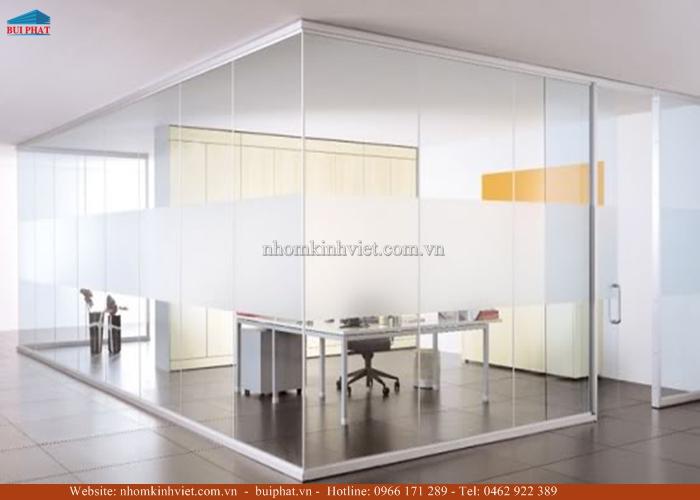 Lắp đặt vách kính, cửa kính văn phòng tại Hoàn Kiếm