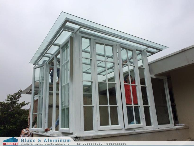 Lắp mái kính khung sắt tại biệt thự Ecopark