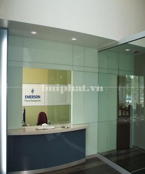 Mẫu vách kính ngăn văn phòng