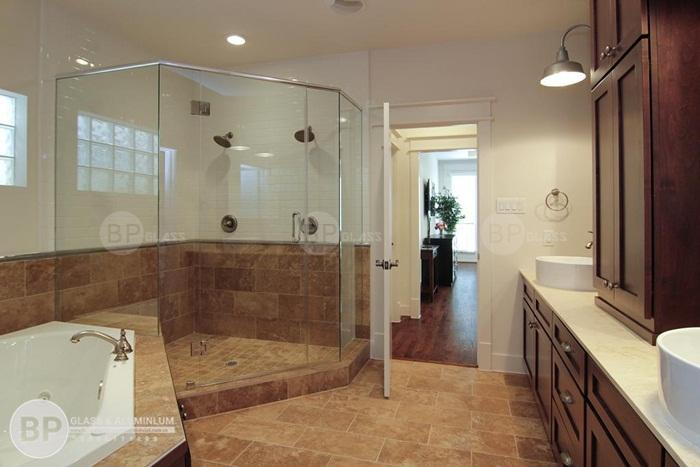 Quy trình lắp đặt vách kính nhà tắm chung cư chung cư như thế nào?
