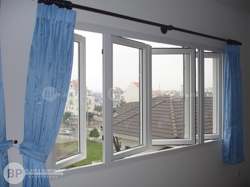 Sử dụng cửa nhôm kính cường lực cho ngôi nhà hiện đại và tiện nghi hơn