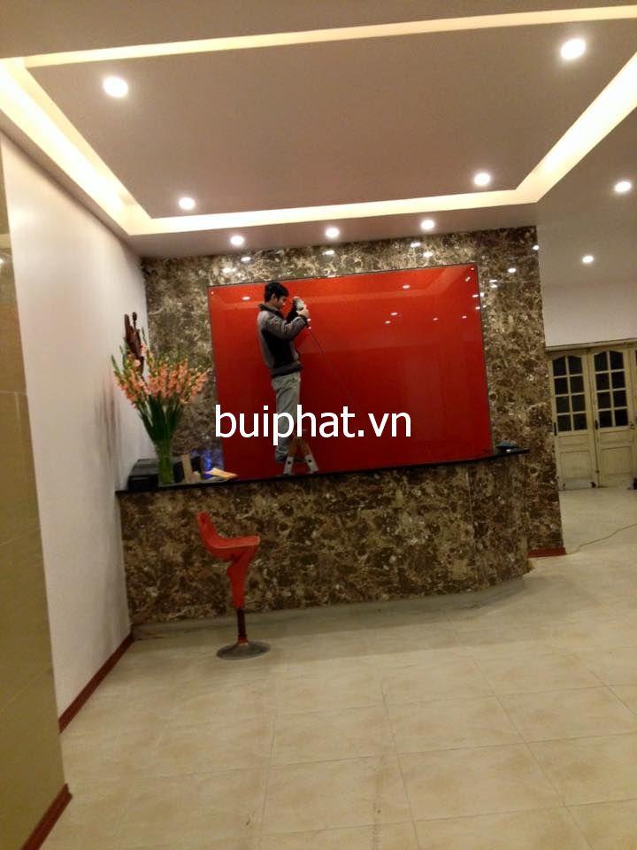 Thi công kính màu logo cho khách sạn chị Lan Anh Phạm thận duật