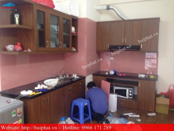 Thi công kính ốp bếp màu Hồng Phấn - chị Dung PCC1 hà đông