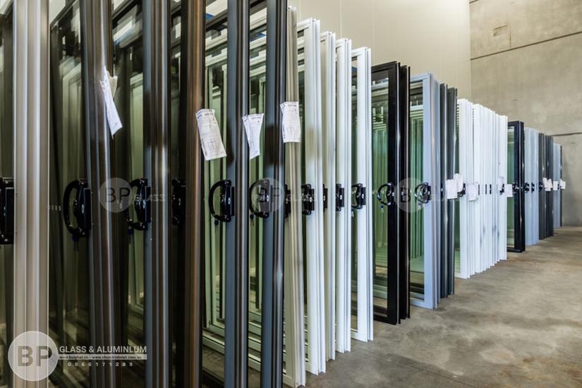 Thi công lắp đặt cửa nhôm kính tại Hà Nội