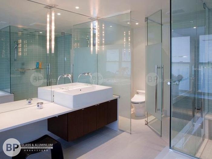 Thi công lắp đặt phòng tắm đứng kính cường lực hồ chí minh giá rẻ nhất