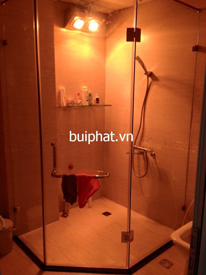 Thi công vách kính nhà tắm vát góc 135 độ Chú Thành Nguyễn Ngọc Vũ