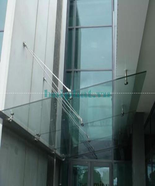 Mái kính sử dụng cáp treo và spider treo kính