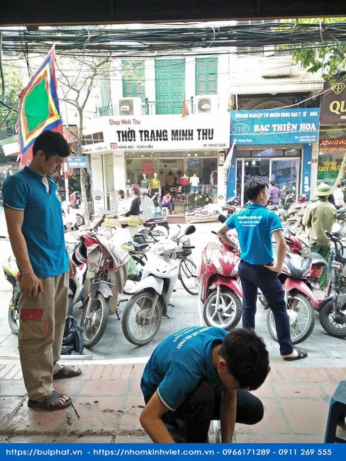 cua kinh cong ty mekong plus tai 13 hang bac 3