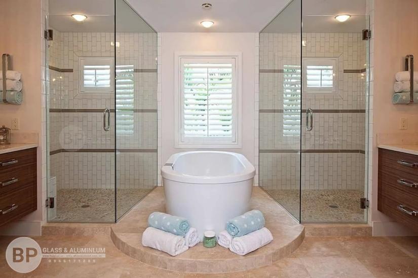Lý do nên lựa chọn phòng tắm kính cường lực Bùi Phát?
