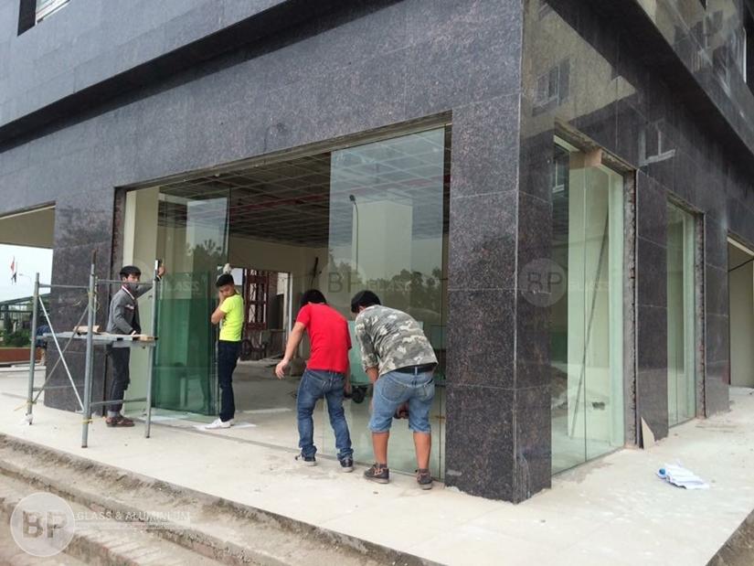 Địa chỉ mua cửa kính cường lực chất lượng cao tại Hà Nội ?