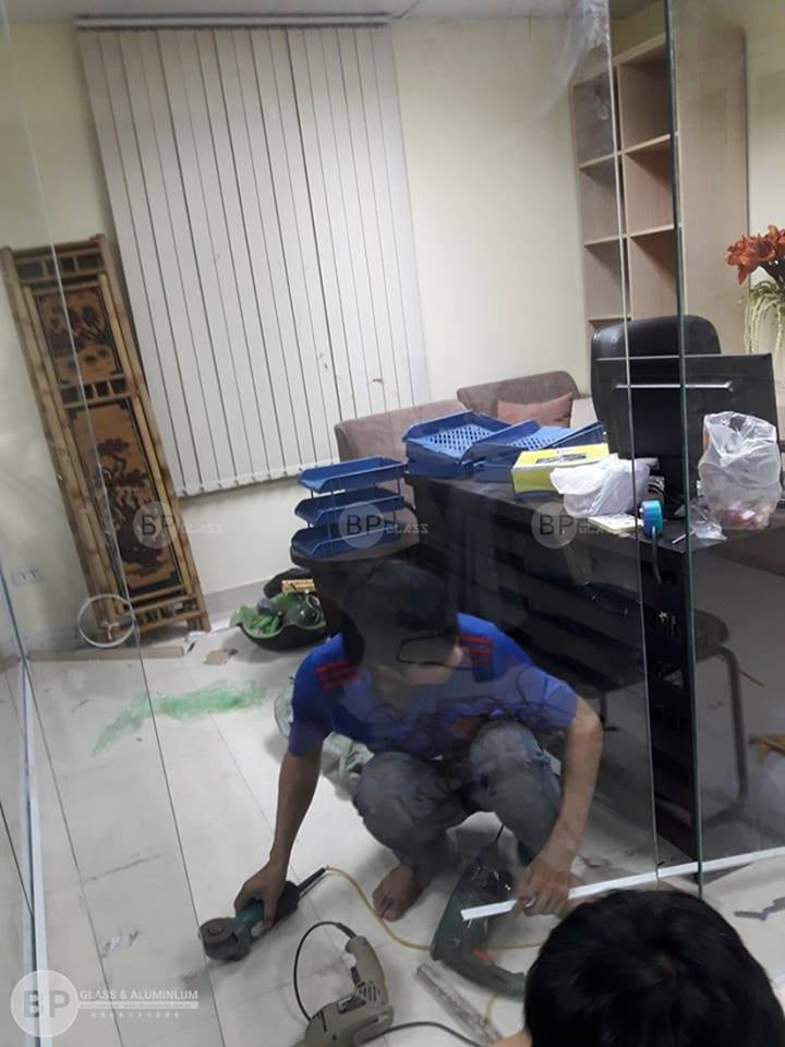 Bùi Phát báo giá vách tắm kính uy tín tại Hà Nội