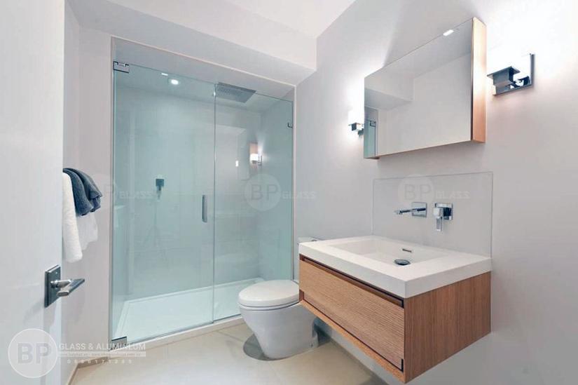 Vách nhà tắm bằng kính – Xu thế mới của căn hộ hiện đại!