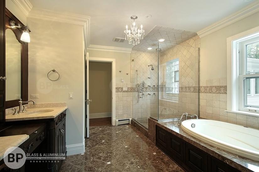 Tìm hiểu cửa kính lùa phòng tắm cường lực ưu nhược điểm