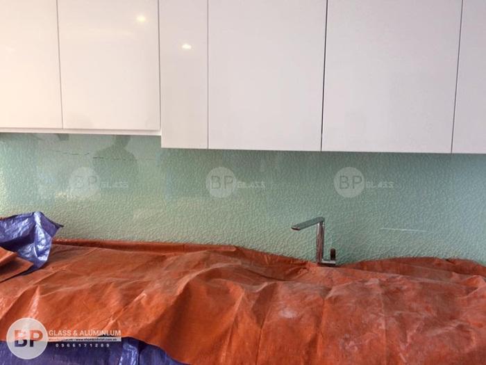 Kính sơn màu mang lại diện mạo mới cho ngôi nhà của bạn