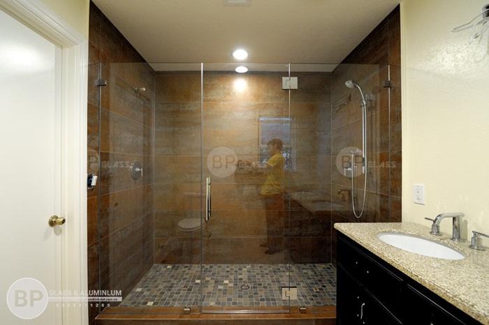 3 kiểu dáng phòng tắm kính cực hót được sử dụng nhiều nhất 2018