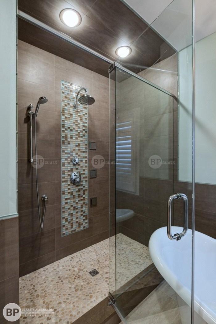 Nên làm để có được phòng tắm kính bền đẹp