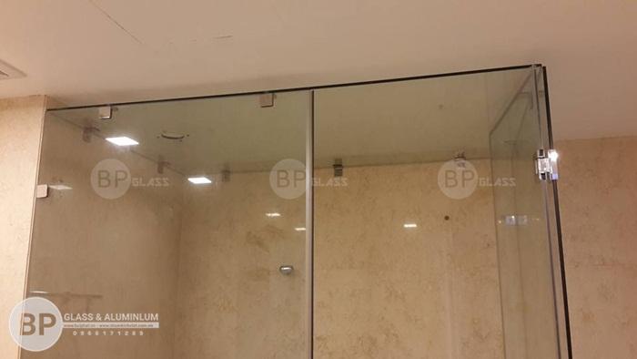 Thoáng khí dễ chịu cảm giác thoải mái khi sử dụng vách kính nhà tắm